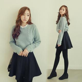 Frilled Neckline Cable Knit Sweater