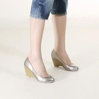 Buy KAWO Patent Wedge Pumps 1022918836
