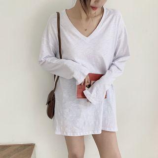 Long-sleeve   T-Shirt   V-neck   White   Size   One
