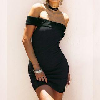 Off-Shoulder Bodycon Dress 1060803650