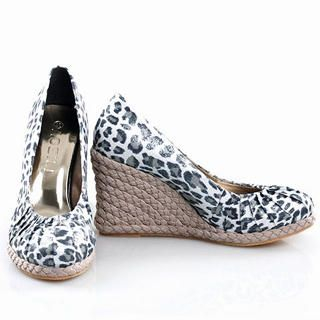 Buy Smoothie Leopard Print Wedge Pumps 1022363544