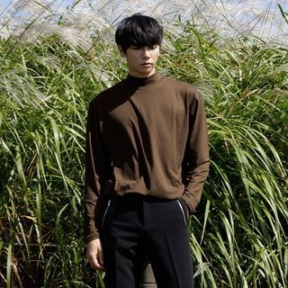 Mock-Neck Long-Sleeve T-Shirt 1062745764