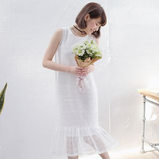 Sleeveless Lace Dress + Sleeveless Plain Dress Set