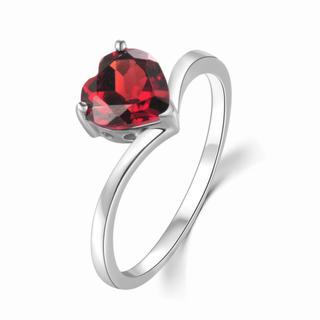 18k-white-gold-heart-shaped-garnet-semi-precious-stone-women-ring
