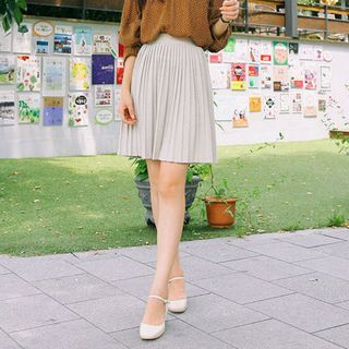 Band-Waist Pleated Mini Skirt