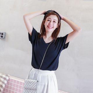Short-Sleeve V-Neck T-Shirt 1058562316