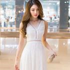 V-neck Sleeveless Dress 1596