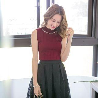 Sleeveless Crystal Knit Top 1062070115