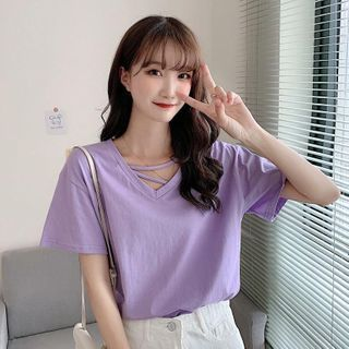 Short-sleeve V-neck T-shirt