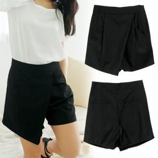 Buy MOUL STYLE Asymmetric Hem Shorts 1022553912
