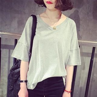 V-Neck Elbow-Sleeve T-Shirt 1049743533
