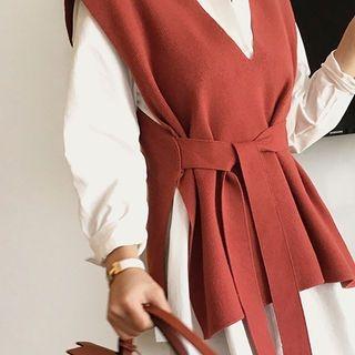 V-Neck Sleeveless Knit Top with Sash 1063336347