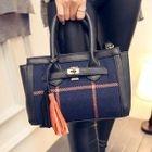 Plaid Panel Hand Bag от YesStyle.com INT