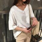 V-neck Elbow-Sleeve T-shirt 1596