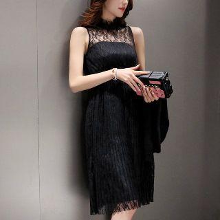 Set: Ribbed Sweater + Sleeveless Lace Dress 1048664931