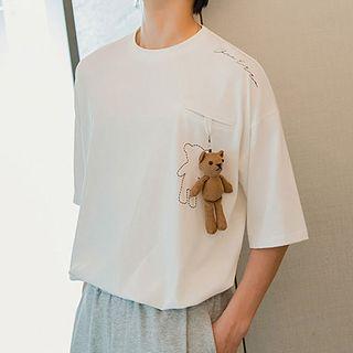 Image of Bear Pendant Elbow-Sleeve Tee