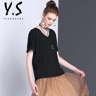 Short-Sleeve V-Neck T-Shirt 1059848338