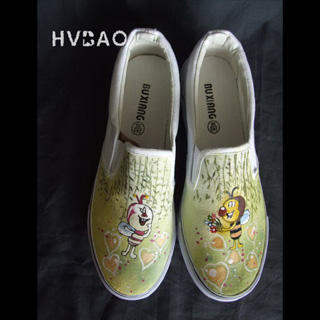 Buy HVBAO  Bee Lovers  Slip-Ons 1020381805