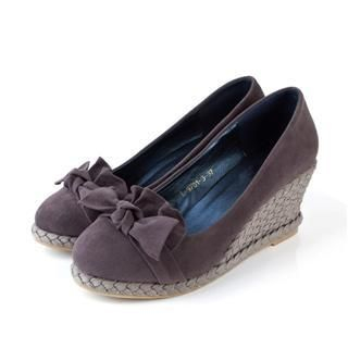 Picture of Cocoeve Bow Trimmed Suede Wedge Pumps 1022364327 (Pump Shoes, Cocoeve Shoes, Taiwan Shoes, Womens Shoes, Womens Pump Shoes)