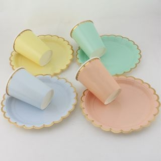 Scallop Disposable Plates & Cups 1057040945