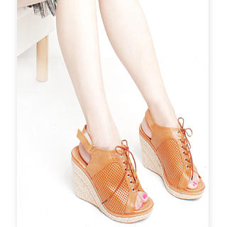 Buy KAWO Perforated Oxford Wedges 1023003486