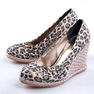 Buy Smoothie Leopard Print Wedge Pumps 1022363549