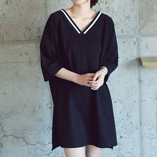 V-neck Elbow-Sleeve T-shirt Dress 1050004013