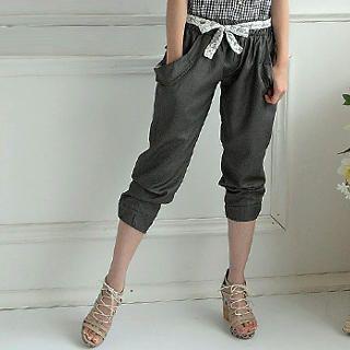 Buy eFashion Elasticized Cropped Pants with Lace Sash 1022977718