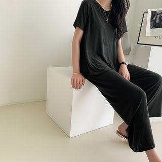 T-Shirt & Pants Soft-Touch Lounge Set