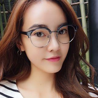 Round Glasses 1056924630