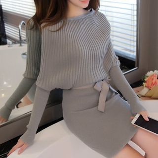 Ribbed Long-Sleeve Knit Dress 1053329945