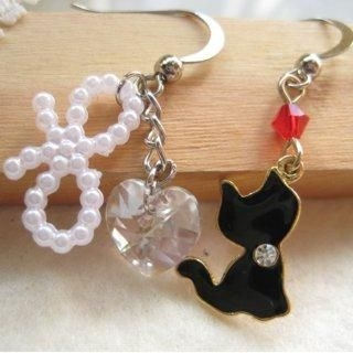 Dazzling lovely black cat with heart shape Swarovski crystal earrings