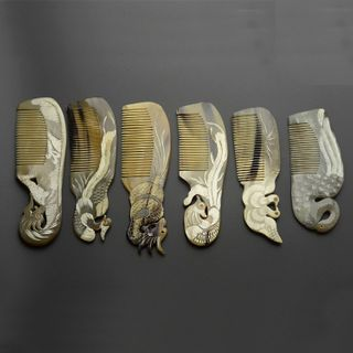 Image of Engraved Horn Hair Comb