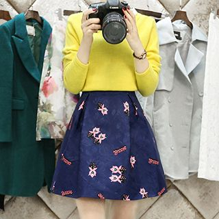 Set: Collared Knit Blouse + Print Pleated Skirt