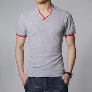 Short-Sleeve V-Neck T-Shirt 1049660846