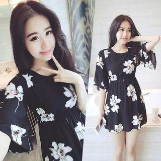 Short-Sleeve Print Tie Waist Dress 1049217358