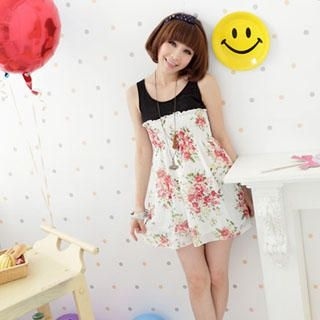 Buy Wonderland Floral Print Smocked Chiffon Dress 1022889466