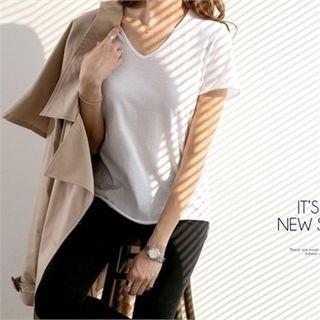 V-Neck Short-Sleeve T-Shirt 1058173429