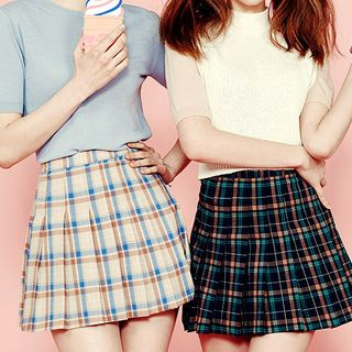 Plaid Pleated Mini Skirt 1049294760