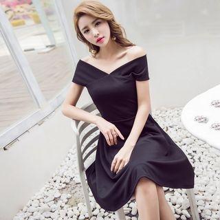 V-Neck Short-Sleeve A-Line Dress 1060351514