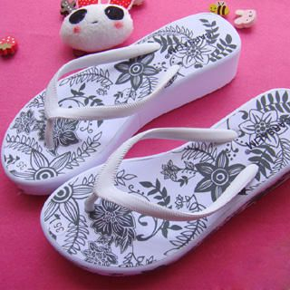Buy SHY SHY Printed Sandals 1022852960