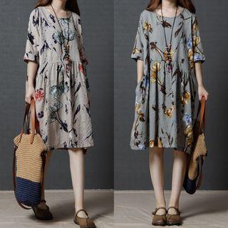 Image of 3/4-Sleeve Printed Tunic Dress