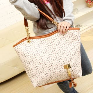 Chained Tote Bag 1051620868