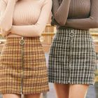 Zip-Up Mini Plaid Skirt 1596