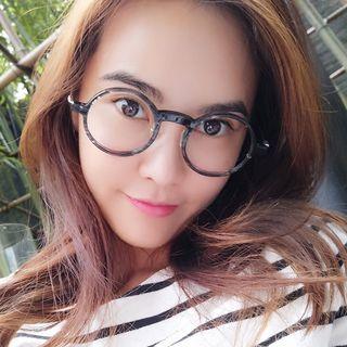 Round Glasses 1056924608