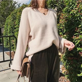 Lantern Long-Sleeve V-Neck Rib Knit Sweater 1062641001