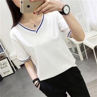 Short-Sleeve V-Neck T-Shirt 1062918992
