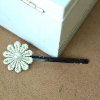 Image of Beaded Flower Hair Pin