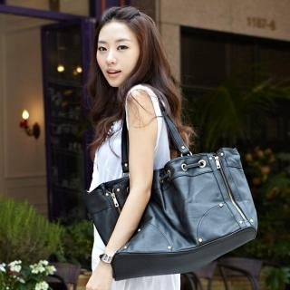 Buy Alice Room Oversize Shoulder Bag 1022924986