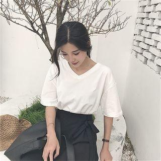 Short-Sleeve V-Neck T-Shirt 1060700616